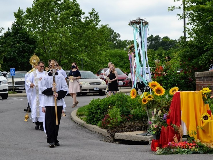 Corpus Christi procession from St Regis to Little Sisters of the Poor